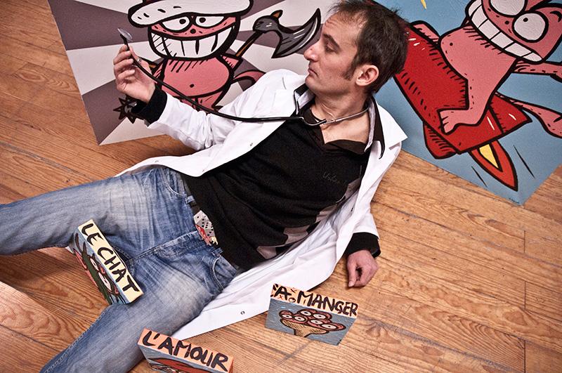 Jérémy Taburchi et son Chat Rose © Photo Roxane Petitier.