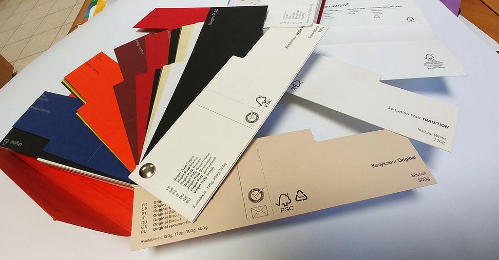 Papiers de couleurs pour le livre